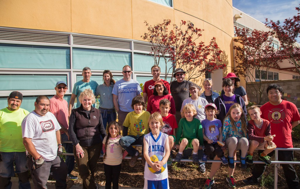 The students and parents of Argonne turned out to help.